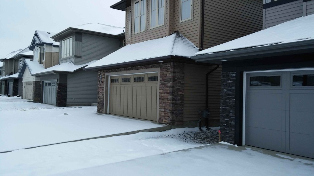 new homes in Ambleside Edmonton with attached garages